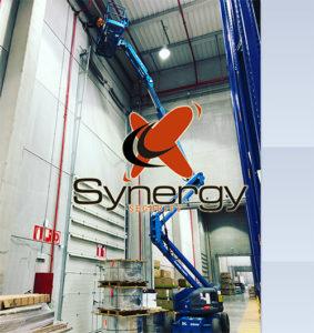 synergy instalacion con grua en almacen